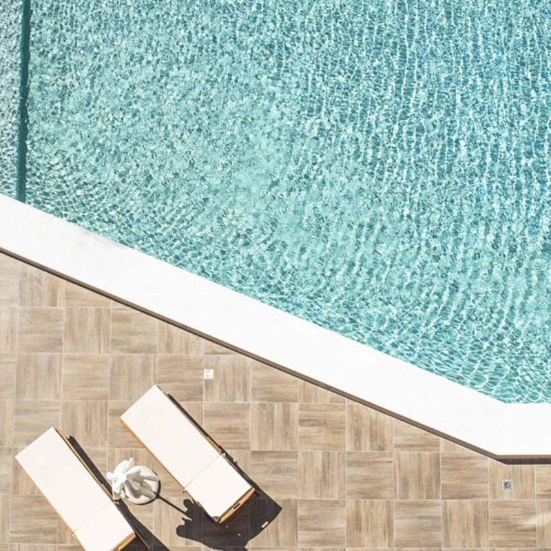 pool-mono.rocks